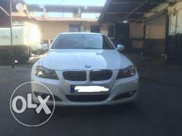 BMW 328i mod:2010 Premium Package, White with Beige Leather