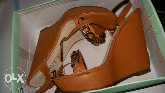 New lyne's brown high heels only for 20 000LL.