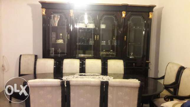 Dining room,10 chairs and vitrine