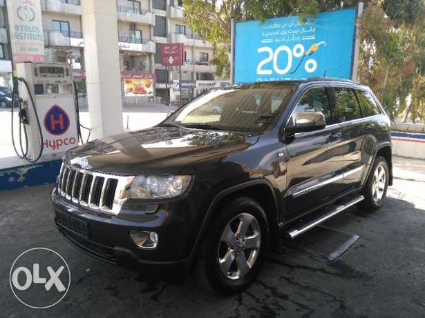 jeep grand chirockee 2011 full option clean carfax