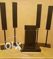 sony like new ..4 speakers +subwoofer+usb+dvd player