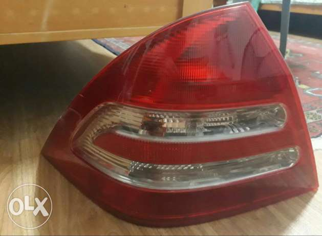 Mercedes C240 Rear lights left and right (very clean)