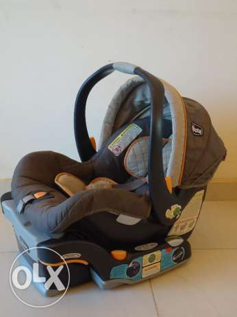 Chicco infant/baby car seat & car seat base for sale