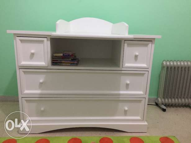 Super practical baby changing table
