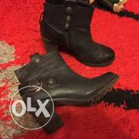 size 37 black boots