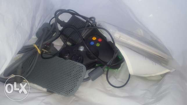 Xbox 360 m3adale ma3 3 masket 2 byetcharajo ma3 charjeur 5souse