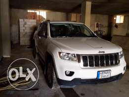 jeep grand cherokee 2011 super clean for sale
