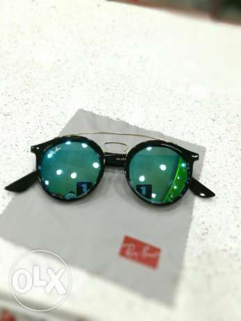 For sale or trade 3ala telephone original rayban glasses