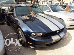 ford mustang 2011 6 cylindres very clean automatic air condition full