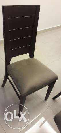 Never used dining table with 8 chairs مصطبة -  2