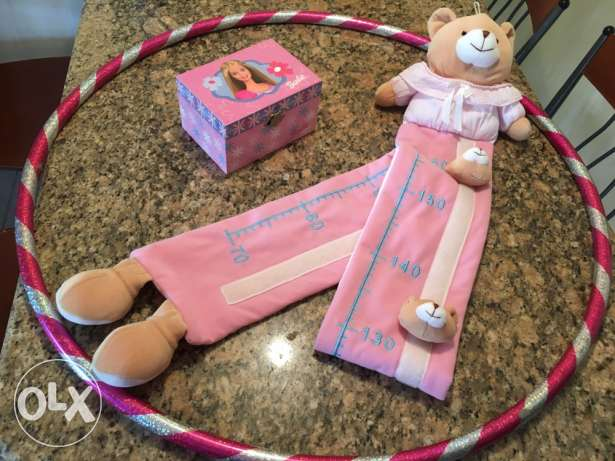 hola hop , Barbie jewellery box and teddy bear height measure