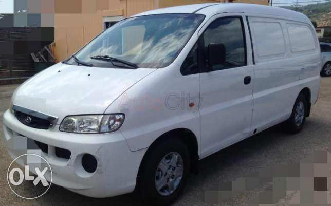 Van Hyundai فان هيوندي H1 - 2002 -In good condition,with cooling syste