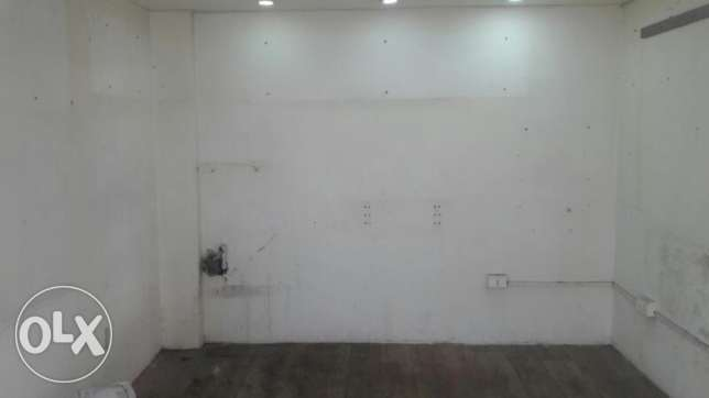 Shop for rent in bourj-hammoud marash wholesalers street 3m by 4meters