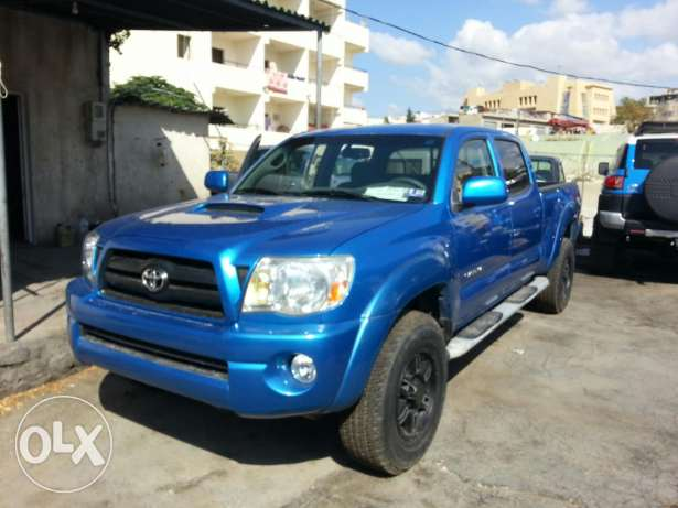 Toyota tacoma TRD sport mod 2007 4 / 4 OF rood brand new full options