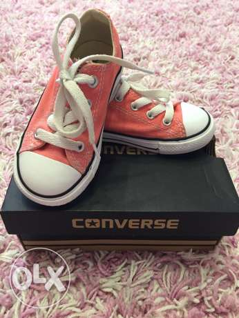 Toddler Converse size 7(23)