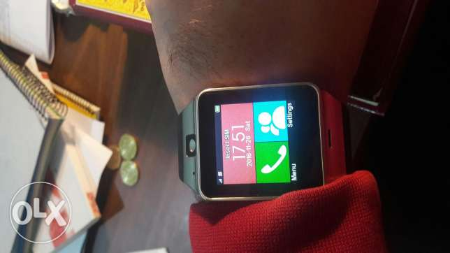 smartwatch (with sim and memory ) + iphone 4s(works fine) بيت الشعار -  1