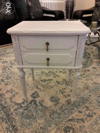Vintage table chalk paint