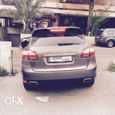 2011 Porsche Cayenne S Super Clean / Agency maintenance راس  بيروت -  2