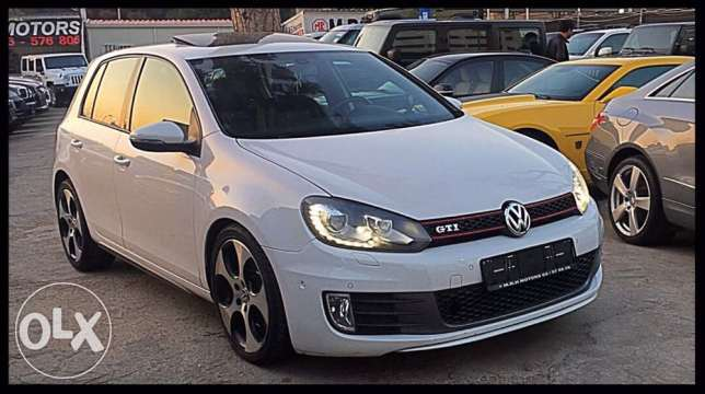 VW Golf GTI 2011 White Top of the Line!