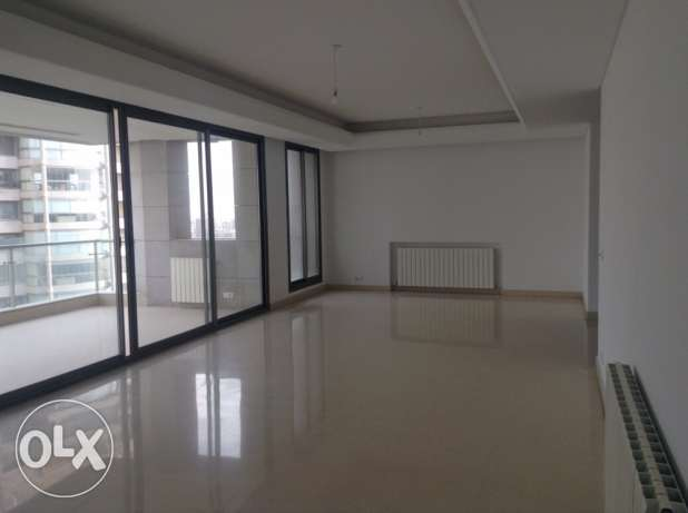 Talet Khayyat: 290m apartment for rent