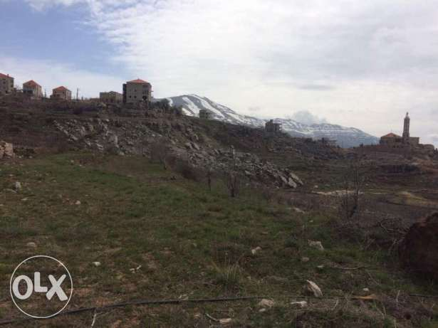 Land 2500 and 3500 m2 to sell or exchange in Tarchich, Metn