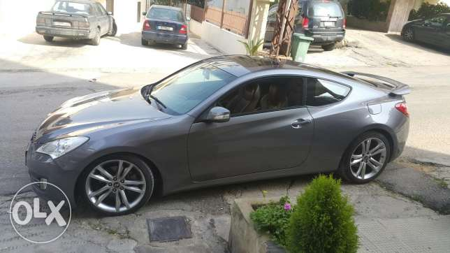Hyndai genesis coupe 3.8 almost new