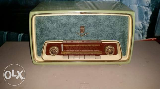 Antique radio grundig germany 220 voltgood