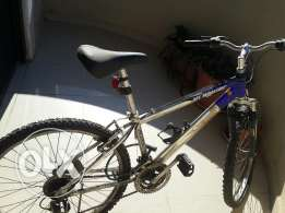 Mountain bike all aluminum very gd condition