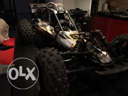 rc car Hpi baja 5b like new with dynamite 23cc engine