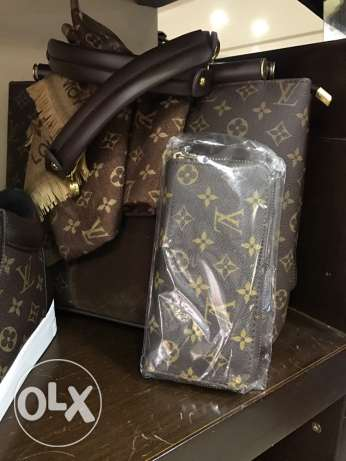 Luis Vitton shoes, bag and wallet Brand New Never used انطلياس -  1