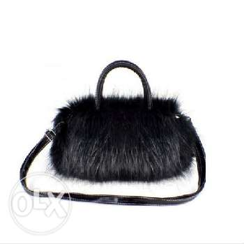 Small faux fur handbag (2 pics - 2 colors)