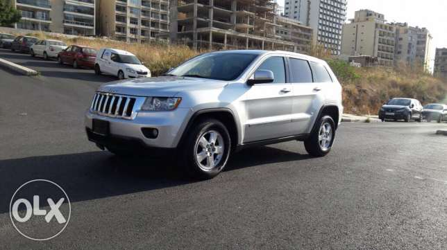 Jeep Grand Cherokee 2012 V6 4wheeldrive الروشة -  2