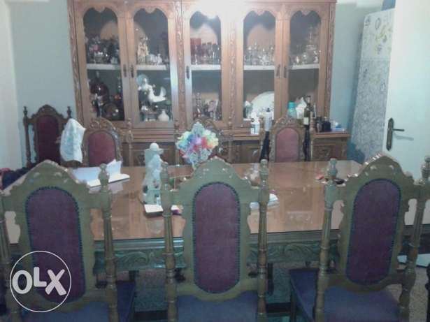 Dining Room Table + 10 Chairs + Cupboard مزخرفة سن الفيل -  3