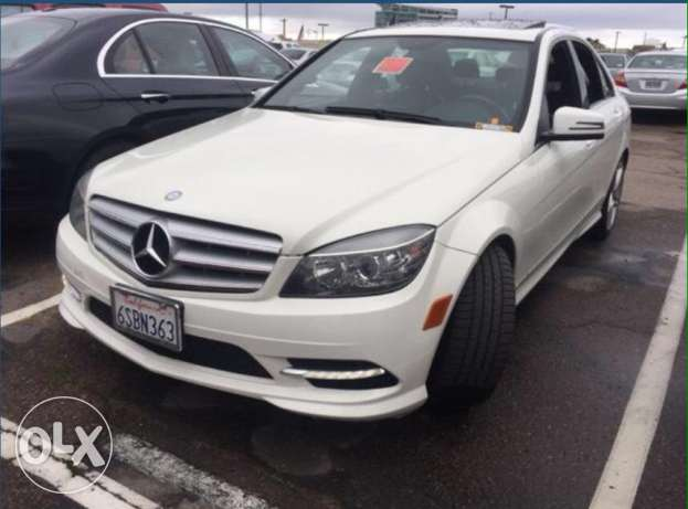 Mercedes C 300 / 2011 white/ blk , big screen, 2ajnabe