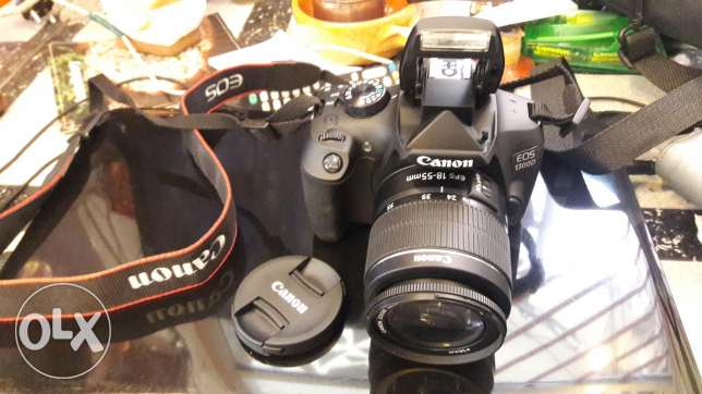 Canon camera used only one month very clean