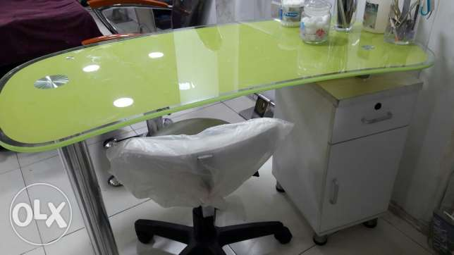 Very Stylish desk, green and white, as new