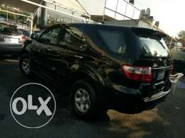 Toyota fortuner 2009 black 7 seats 1 owner original paint as new !!!