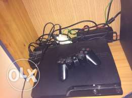PS3 for sale 200$ used 2 months from canada original