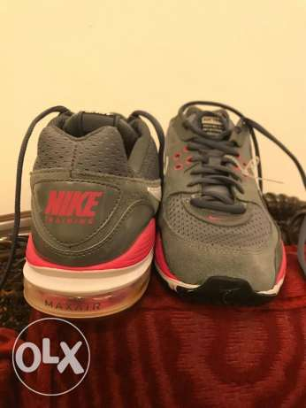 brand new nike shoes size 40