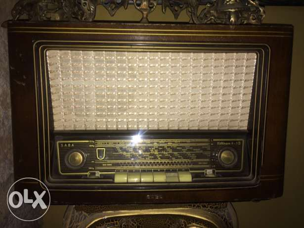 for music lovers, working , antique , very old but good condition بعلبك -  1