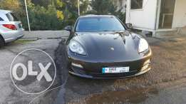 Porshe panamera cherker 1 owner clean full 1 year guarantie