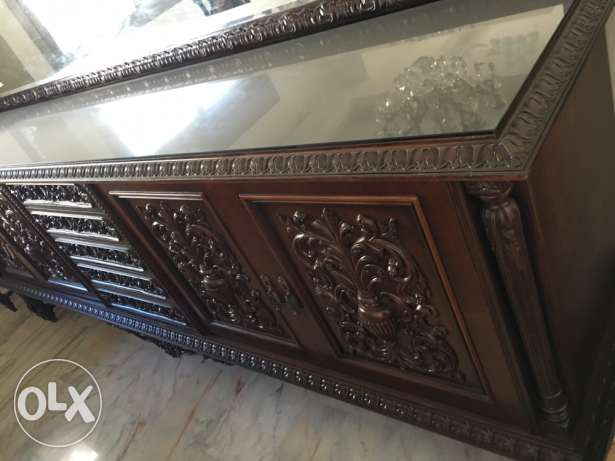 Dining room (حفر يدوي على الخشب) in excellent condition راس  بيروت -  2