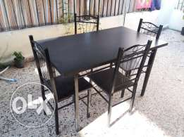 Table with chairs gor sale