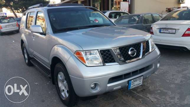 Nissan Pathfinder model 2006