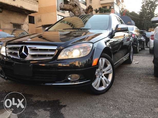 C300 Black-Black 2008 Clean Carfax Full option لبنانية