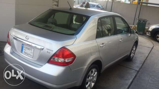 Nissan Tiida Hatchback-- Full options- Super Clean