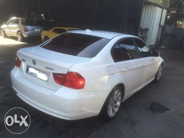 BMW 328i mod 2010-Premium Package-White on Beige still Ajnabieh وسط المدينة -  3