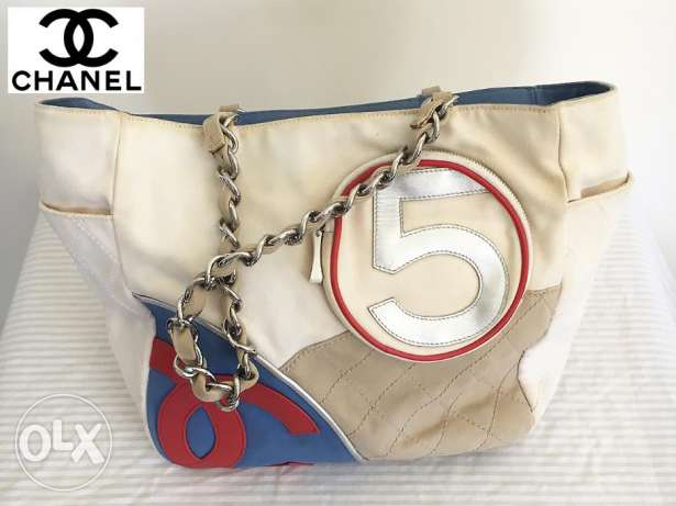 Pre owned CHANNEL Hand bag C034