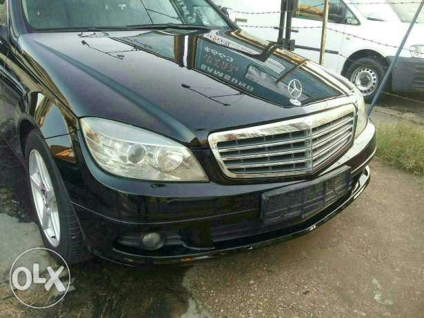 Mercedes c180 compressor. Black. Leather seat.0 accident. Very clean .