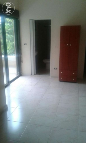 4 master bedrooms apartment for Rent in Chnaniir